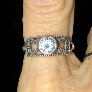 Jewelry - Vintage 925 STERLING SILVER RING